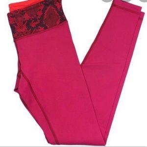 Lululemon wunder under reversible leggings Sz 6
